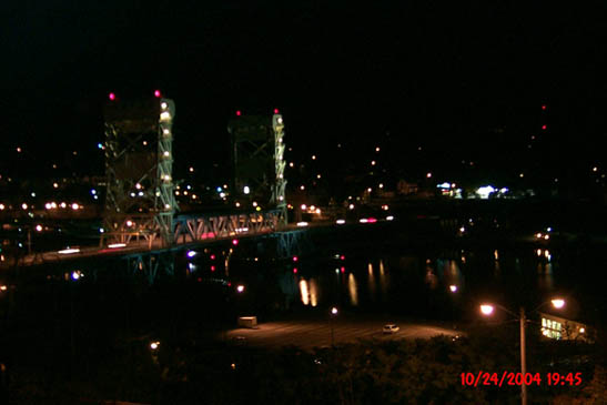 Portage Lake Lift Bridge at night